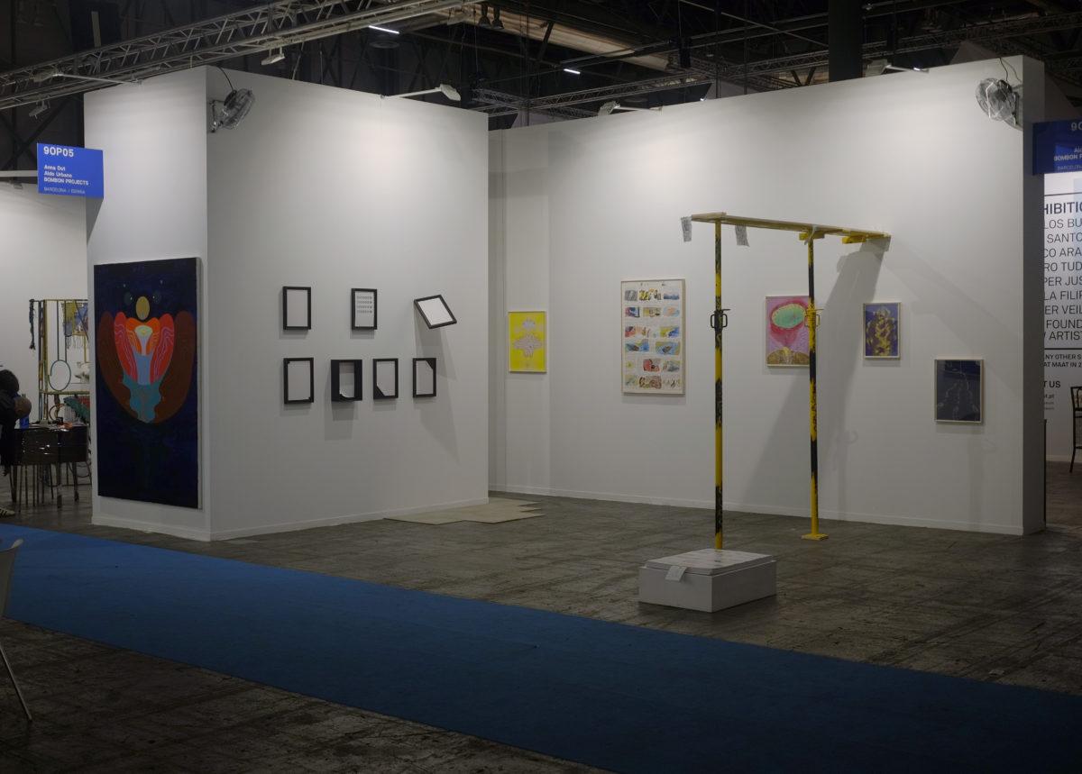 """Ventiladors de """"La veu que habita"""" instal·lats a l'estand de Bombon Projects, Feria ARCO 2019, Madrid."""
